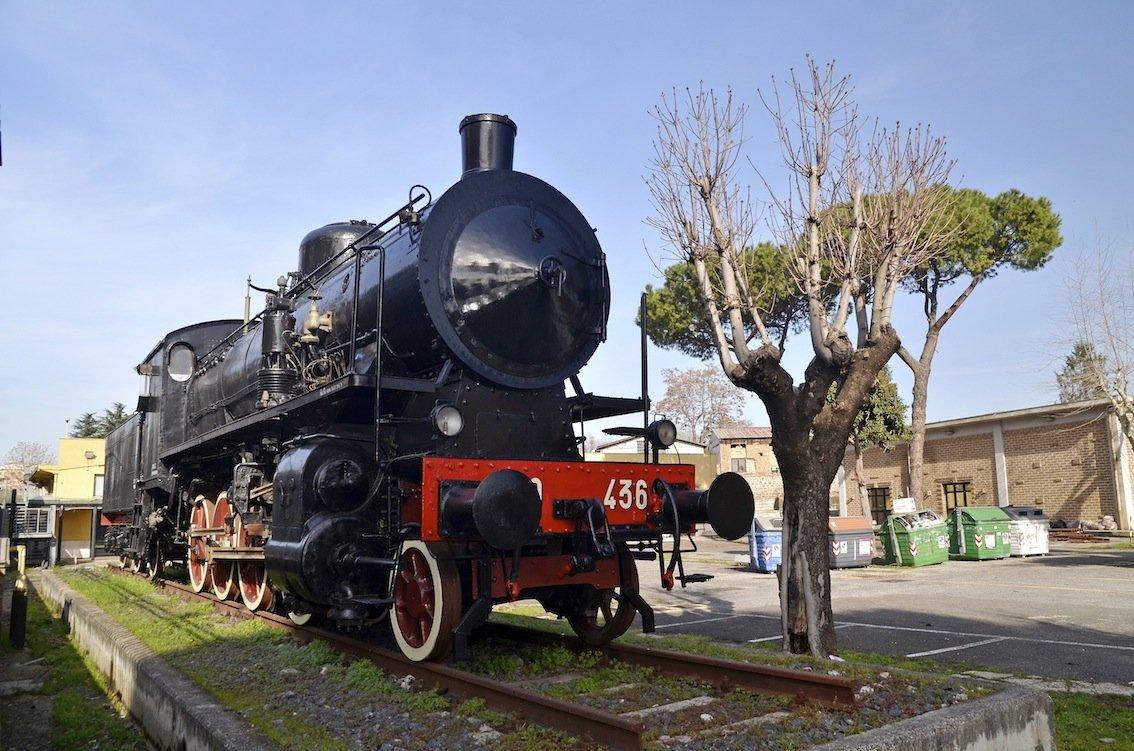 015 Via di Portonaccio locomotiva.JPG