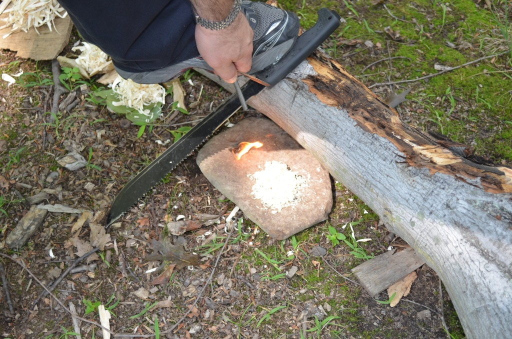 2012-7-29onehandonestickfire47.jpg