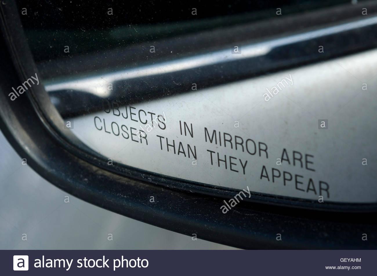 avvertenza-su-automobile-specchio-retrovisore-esterno-geyahm.jpg
