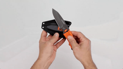bear-grylls-paracord-survival-knife-1a.png