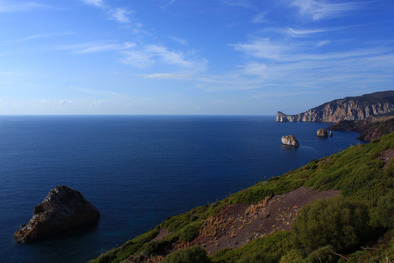 Sardegna Minire nel Blu Quinta panorama sui faraglioni.jpg