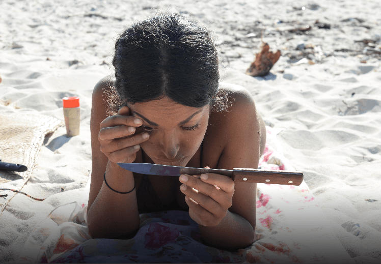 Screenshot-2018-3-23 Gli strani escamotage beauty usati dai naufraghi all'Isola dei Famosi(1).png