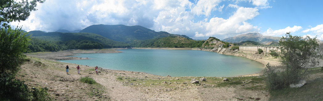 Panorama del lago della montagna spaccata for Planimetrie della cabina del lago